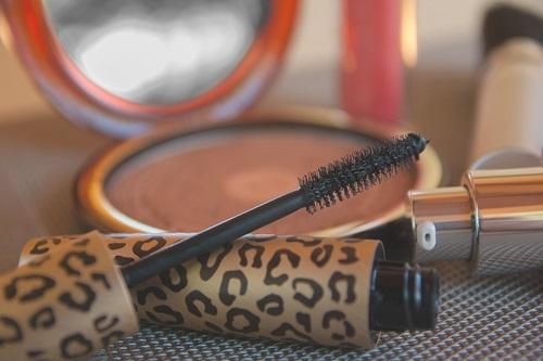 makeup-2479610_960_720
