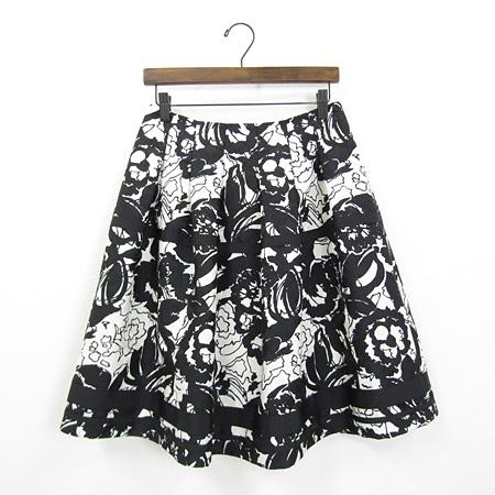 2017年 エムズグレイシー モノトーン 花柄 スカート ブラック×ホワイト 727352